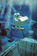 395px-Christer_Fuglesang_underwater_EVA_simulation_for_STS-116